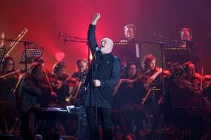 Peter Gabriel: New Blood, Live in London scene