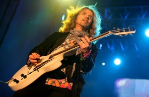 Styx: The Grand Illusion/Pieces Of Eight Live scene