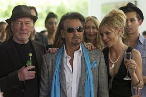 Al Pacino (ctr) and Christopher Plummer in Danny Collins'