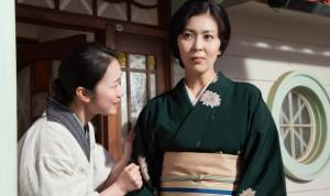 Haru Koruki (l.) and Takako Matsu in The Little House.