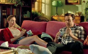 Jason Sudeikis and Alison Brie in Sleeping with Other People.