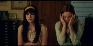 Liana Liberato (r.) and Isabelle Fuhrman in Dear Eleanor