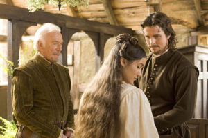 Christopher Plummer, Q'orianka Kilcher and Christian Bale in The New World