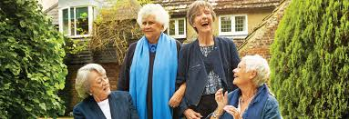 DamesMaggie Smith,Judi Dench,Eileen Atkins andJoan Plowright are ready to take a sip!